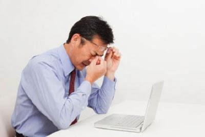 10 Cara Mengatasi Ketegangan Mata Akibat Komputer